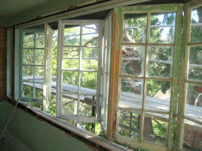 6b5c045487db1b16dc43d0f317efd4f8 sunroom windows old windows - Folding Windows: The Good and the Bad